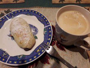 Mohnzelten mit Kaffee