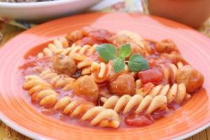 Hackfleischbällchen in Tomatensauce