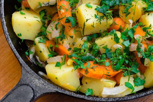 Kartoffelpfanne mit Möhren
