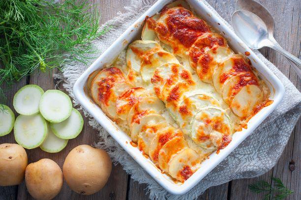 Auflauf mit Kartoffeln und Zucchini