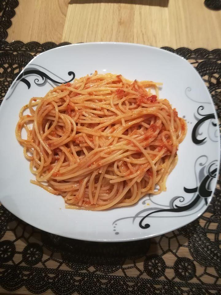Spaghetti mit Tomaten Ricotta Sauce