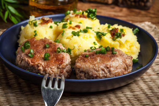 Frikadellen mit Kartoffelpüree