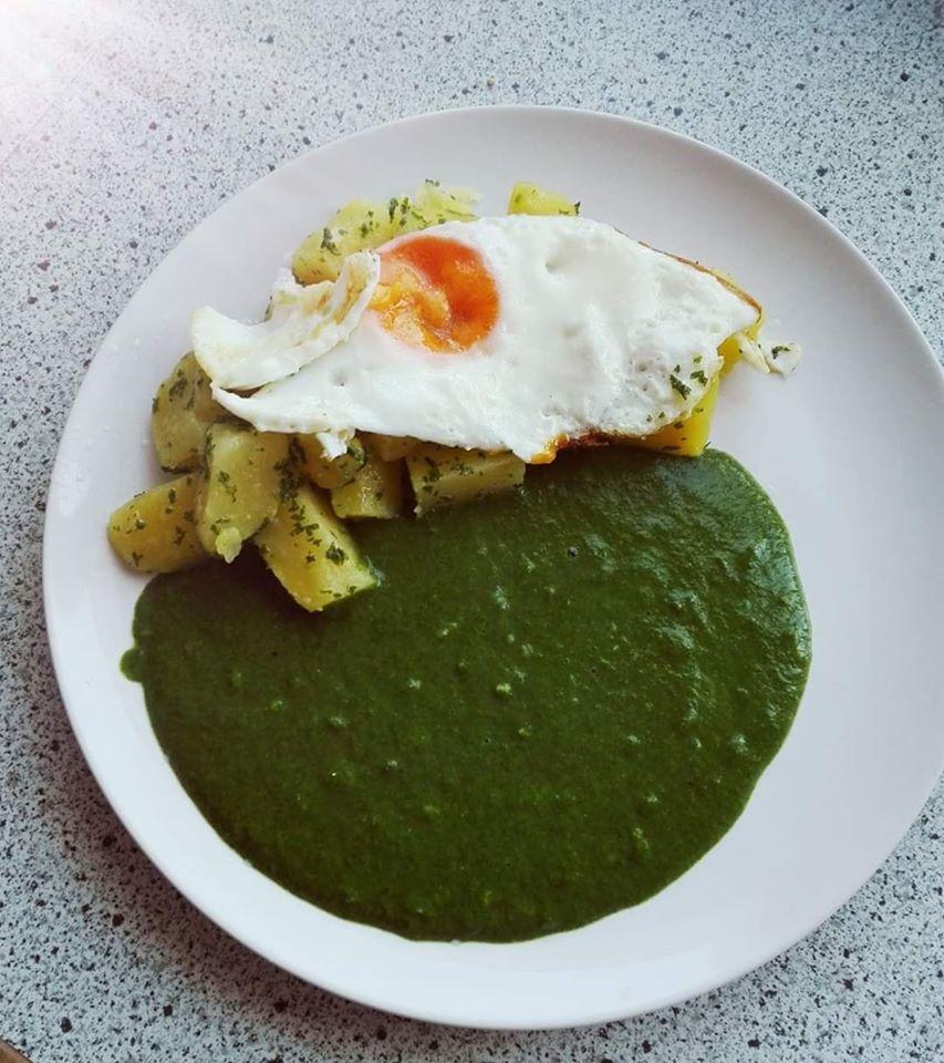 Petersilkartoffel mit Spinat und Ei