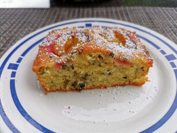 Zwetschgenkuchen mit gehackten Kürbiskernen