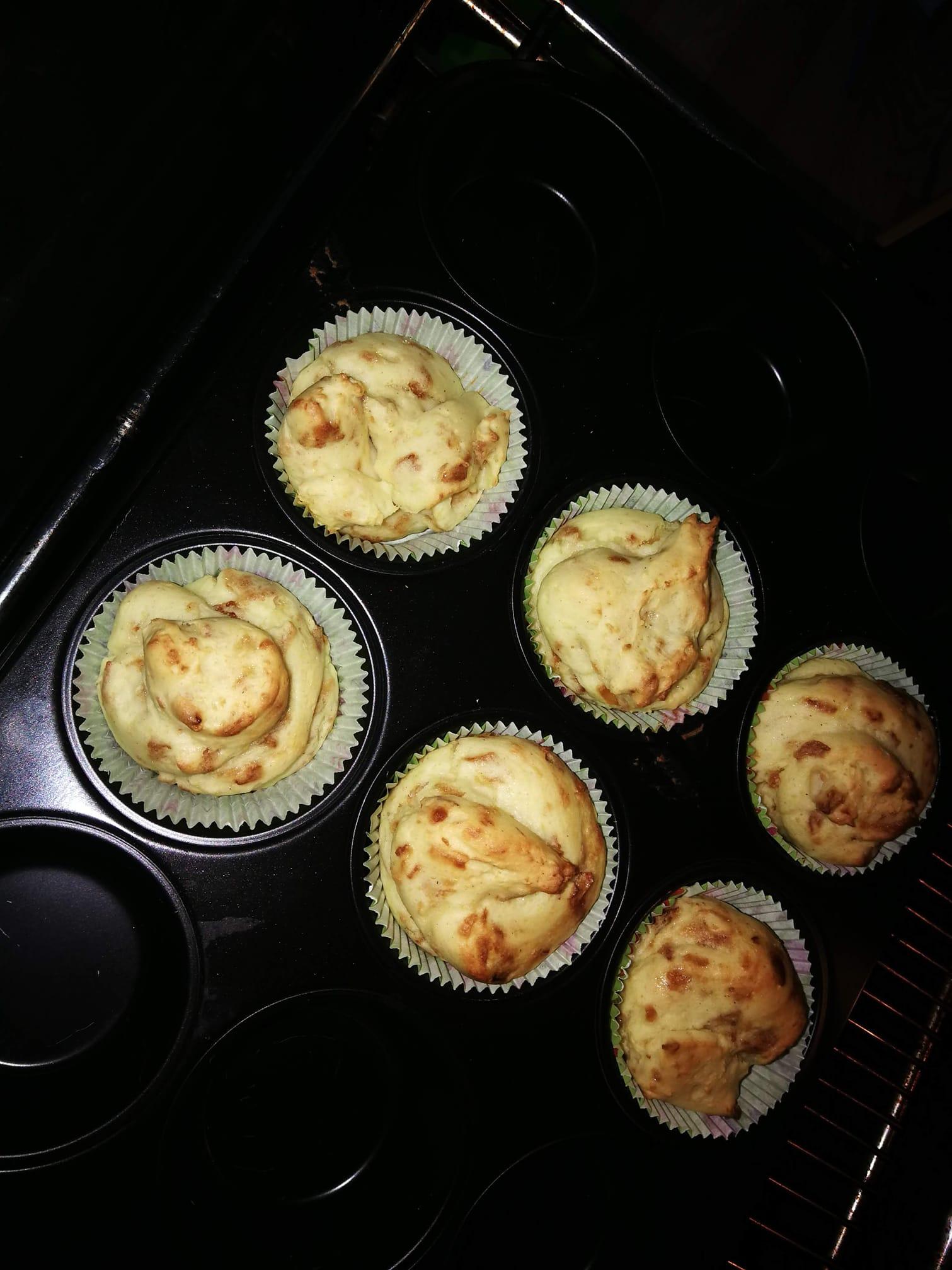 Kartoffelmuffins mit Röstzwiebeln