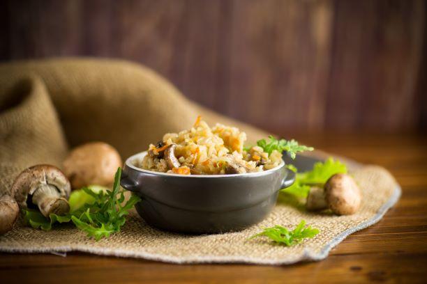 Reispfanne mit Champignons