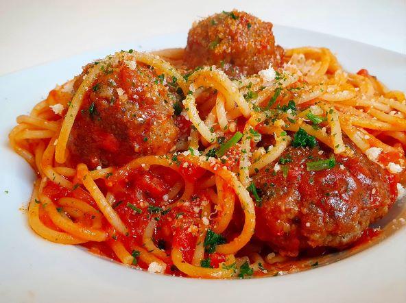 Amerikanische Meatball Spaghetti