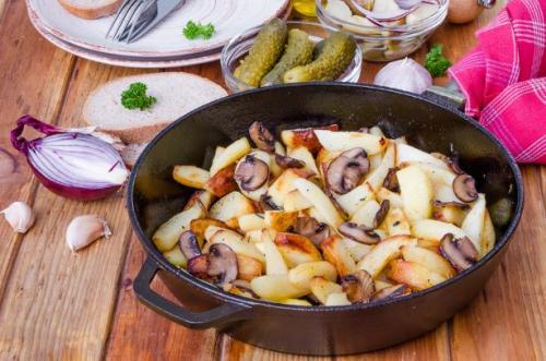 Bratkartoffel mit Champignons