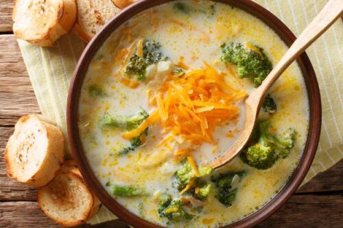 Brokkoli Käsesuppe mit Möhren