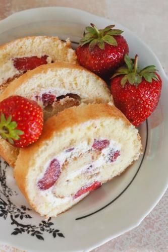 Erdbeerroulade nach Omas Rezept