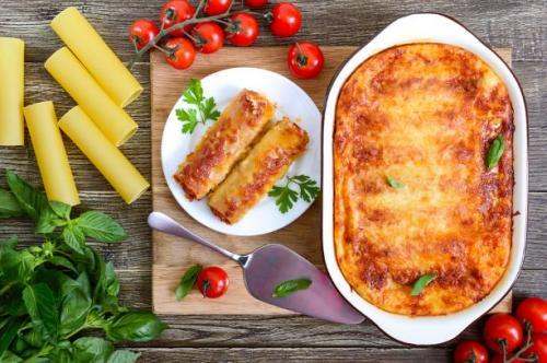 Gefüllte Cannelloni mit Bechamelsauce