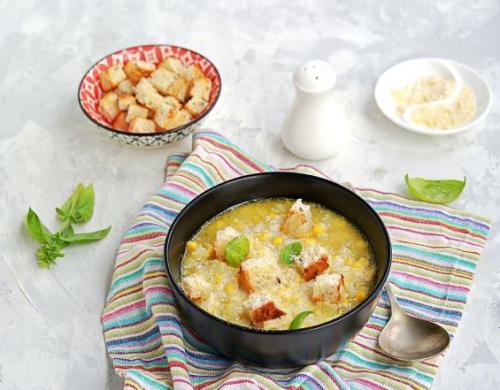 Maissuppe mit Crouton
