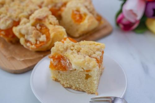Marillen Streuselkuchen