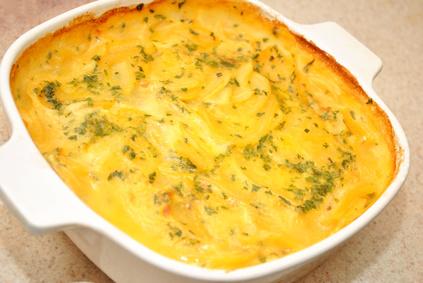 Ofen Raclette mit Kartoffeln, Schmand, Sahne und Cheddar Käse gemacht