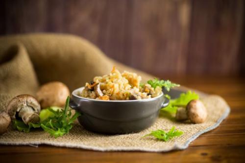 Reispfanne mit Champignons und Paprika