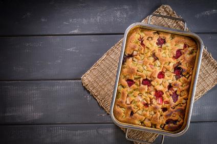 flaumiger Rhabarberkuchen mit griechischem Joghurt gemacht