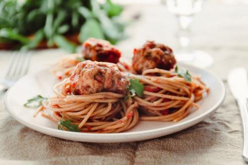 Spaghetti mit Hackfleischbällchen