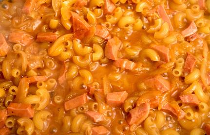 Wurst Pasta mit Tomaten Sahnesauce